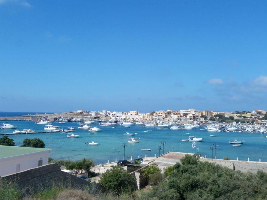 Vista sul Porto di Lampedusa